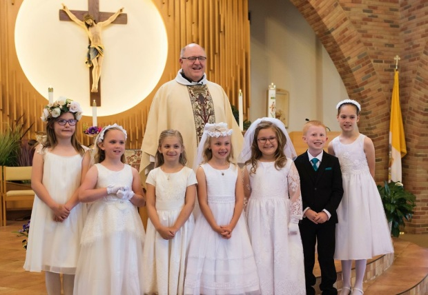 1st Holy Communion Group Shot